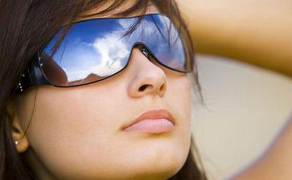 اثرات منفی نور خورشید بر چشم